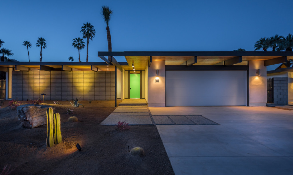 House of the week a brand new mid century modern in palm for Mid century modern homes zillow