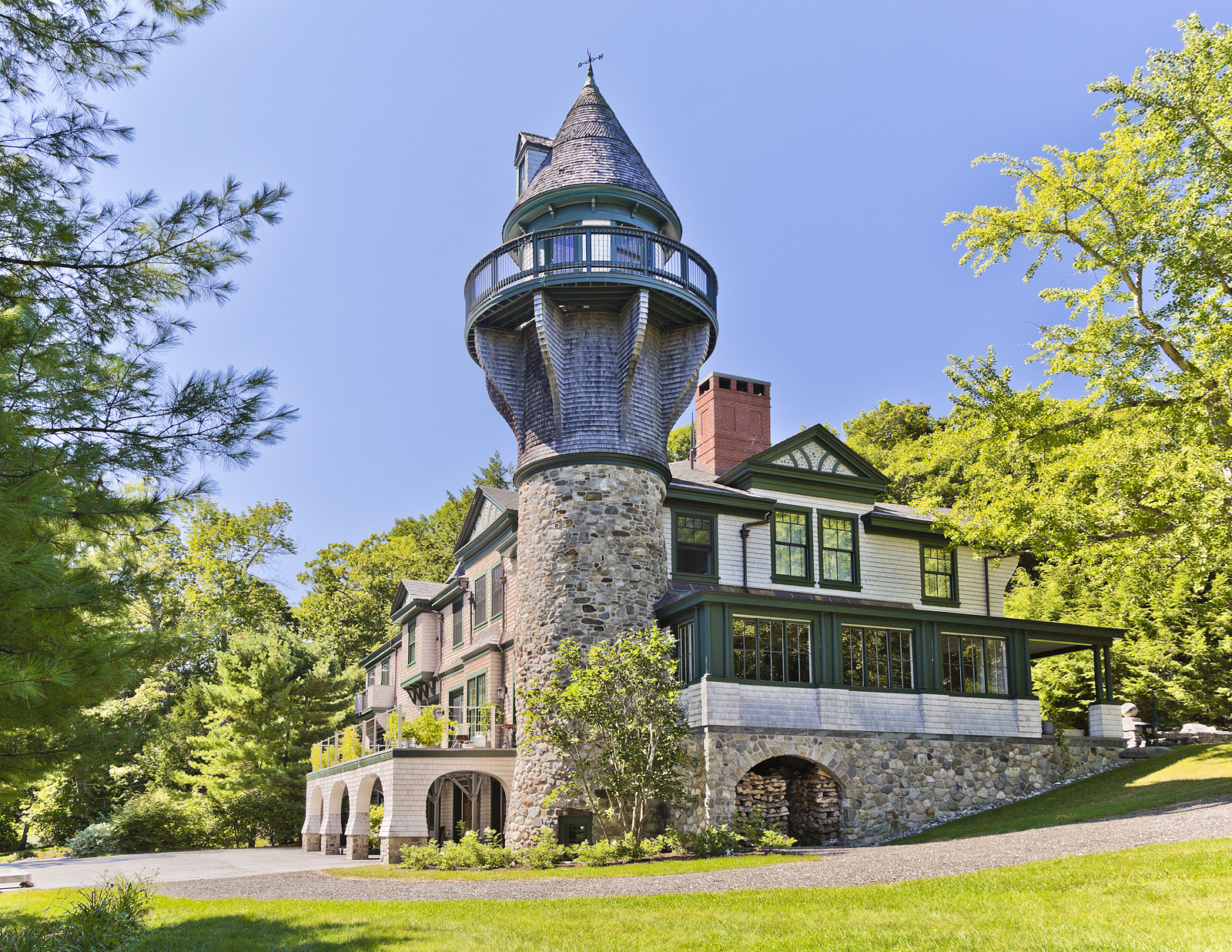 Exterior Home Design Quiz House Of The Week A Carriage House Built For A Castle In