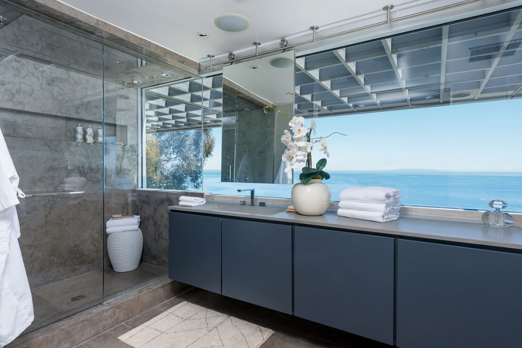 Update matthew perry gets for malibu beach house - How much do interior designers get paid ...