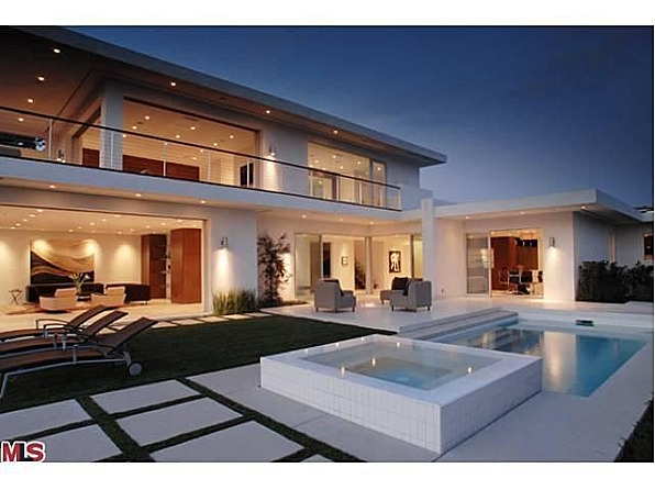 Perfect Matthew Perry Sells Modern Mansion In Hollywood Hills Good Looking