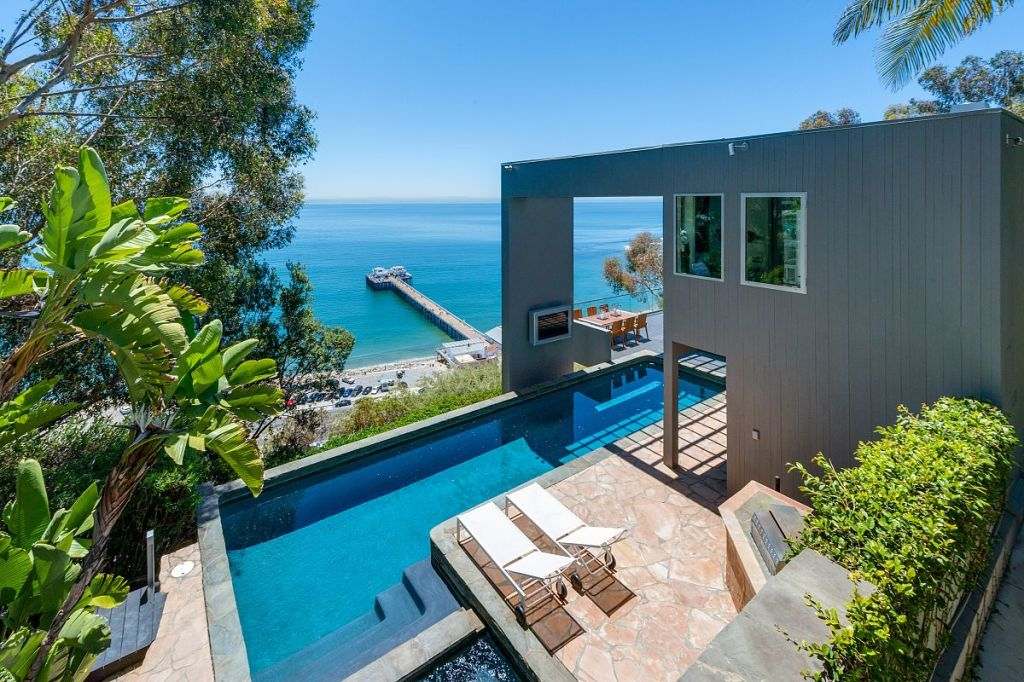 Update Matthew Perry Gets 10 65m For Malibu Beach House