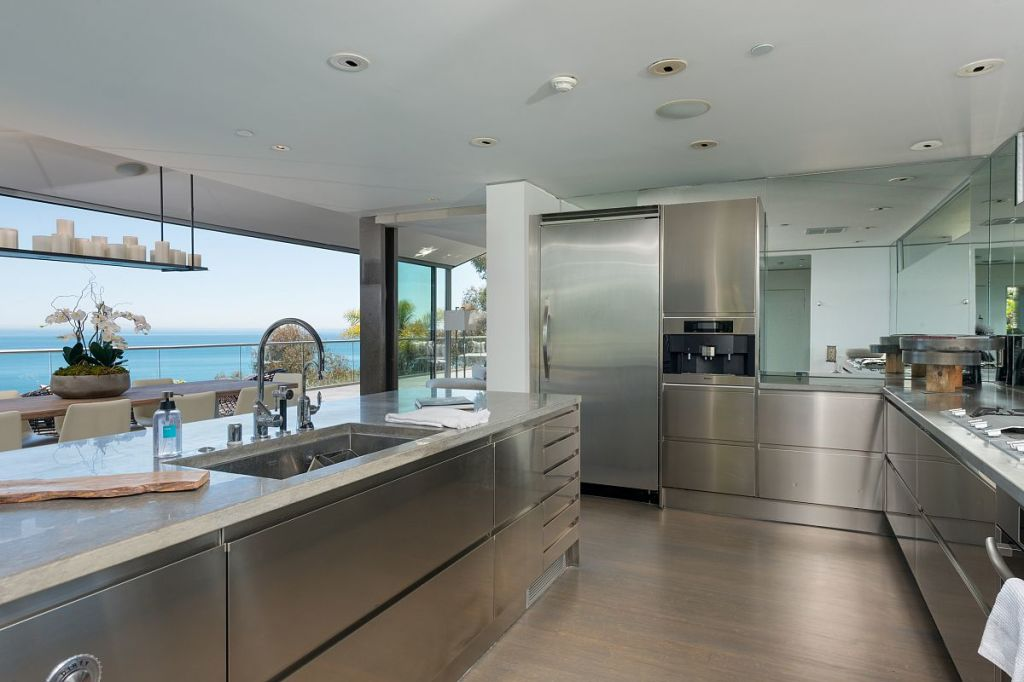 UPDATE: Matthew Perry Has Sold His Malibu Beach House For $10.65 Million,  Considerably Less Than The $12.5 Million He Originally Asked In A Listing  That ...