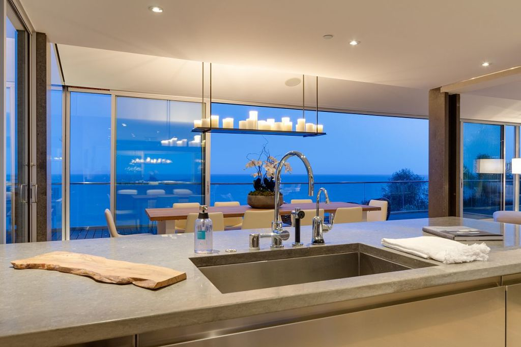 Update matthew perry has sold his malibu beach house for 10 65 million considerably less than the 12 5 million he originally asked in a listing that