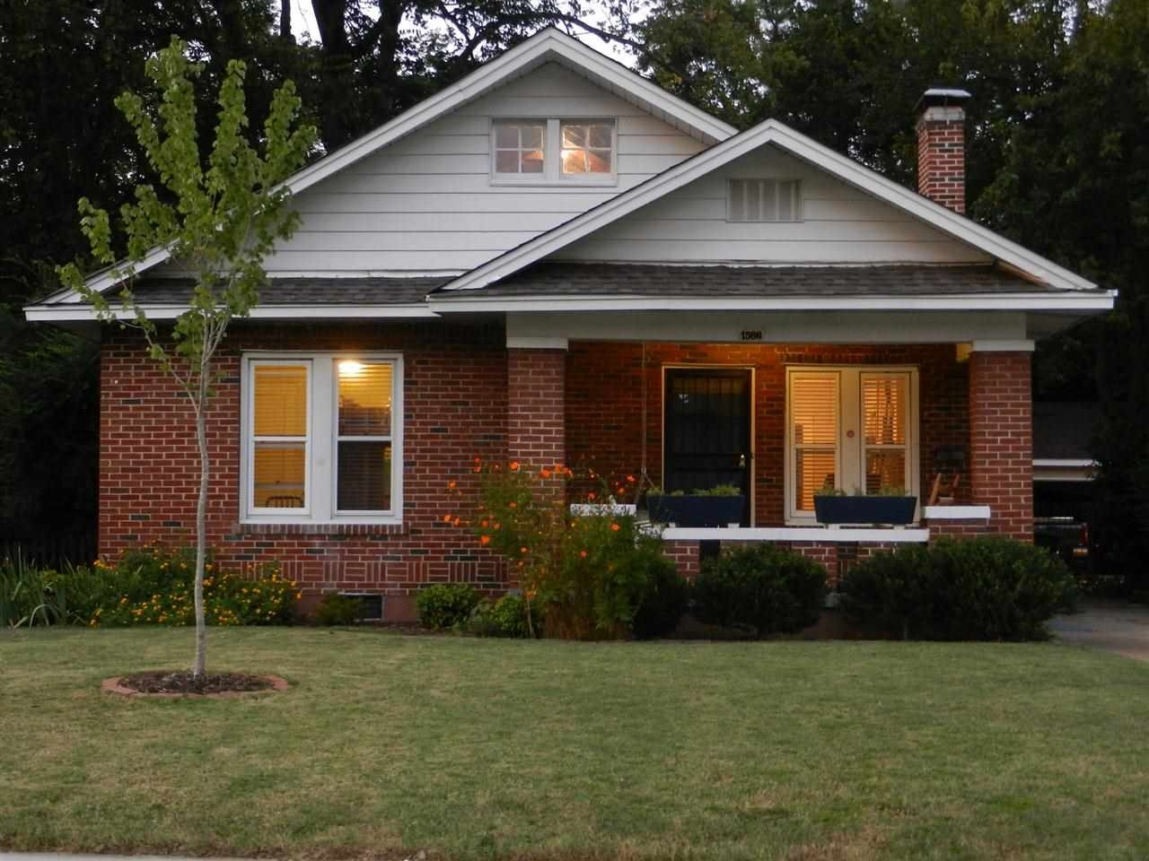 Memphis  TN. Homes on the Market for  200 000   Zillow Porchlight
