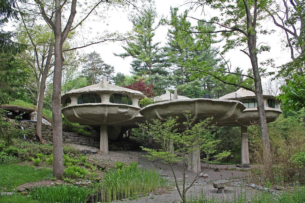 Awesome The Pod Like Shapes Earned This Home Its Mushroom House Nickname.