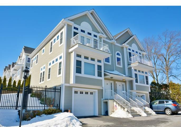 For Sale Town Houses With 3 Or More Bedrooms