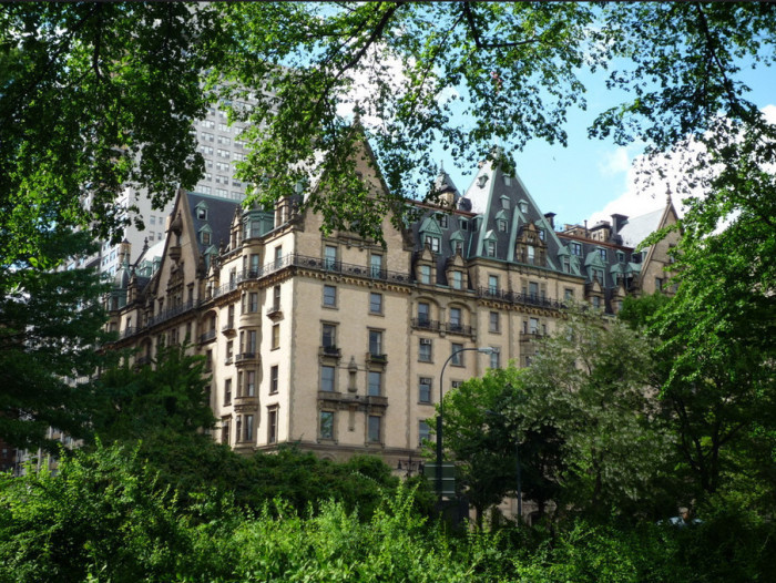 7 real life haunted houses for sale for Manhattan mansions for sale