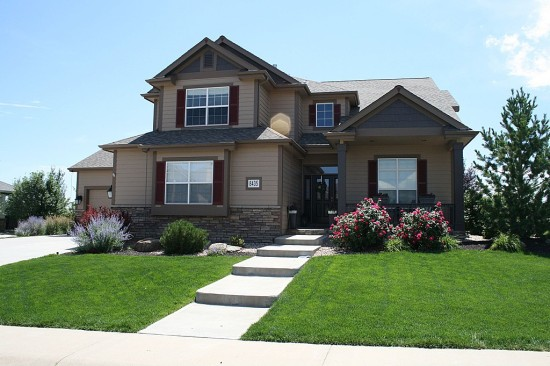5 ways to improve your home s curb appeal - Plants can improve ambience home ...