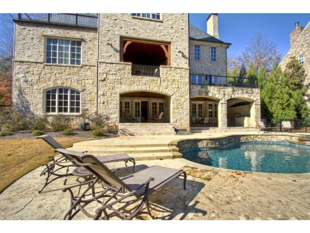 Bank now selling allen iverson 39 s foreclosed home in atlanta for Allen house
