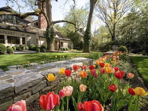 Homes For Sale With Gorgeous Gardens