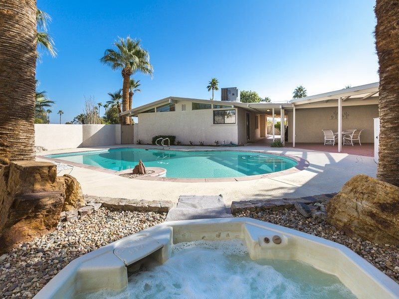 10 Mid-Century Modern Listings Just in Time for 'Mad Men' on southwestern guest house designs, carriage house guest house designs, hacienda guest house designs, ranch guest house designs,