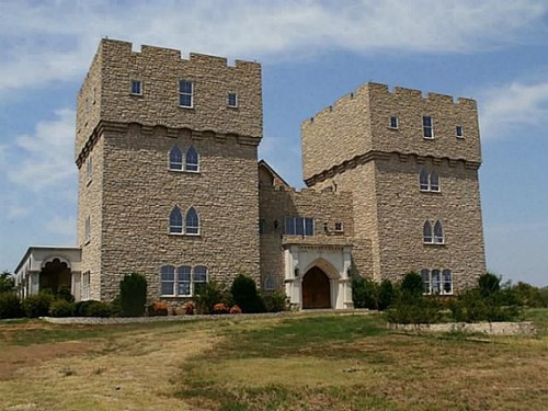 Castles For The Ultimate Game Of Thrones Viewing Party