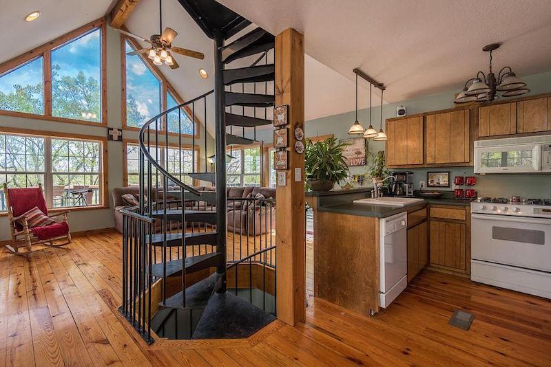 10 waterfront homes under 300 000. Black Bedroom Furniture Sets. Home Design Ideas