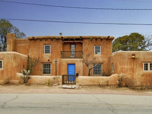 Saddle up with these southwestern homes for Santa fe style homes