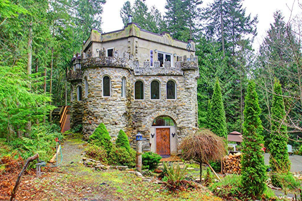 House of the week pacific northwest castle in the woods for Pacific northwest homes