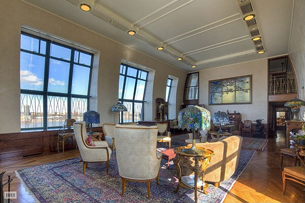 New york hearst penthouse perfect for suits of armor for Zillow new york city