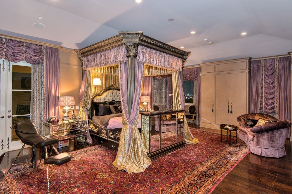 Slash Slept Here Rocker Chic Italian Villa In Beverly