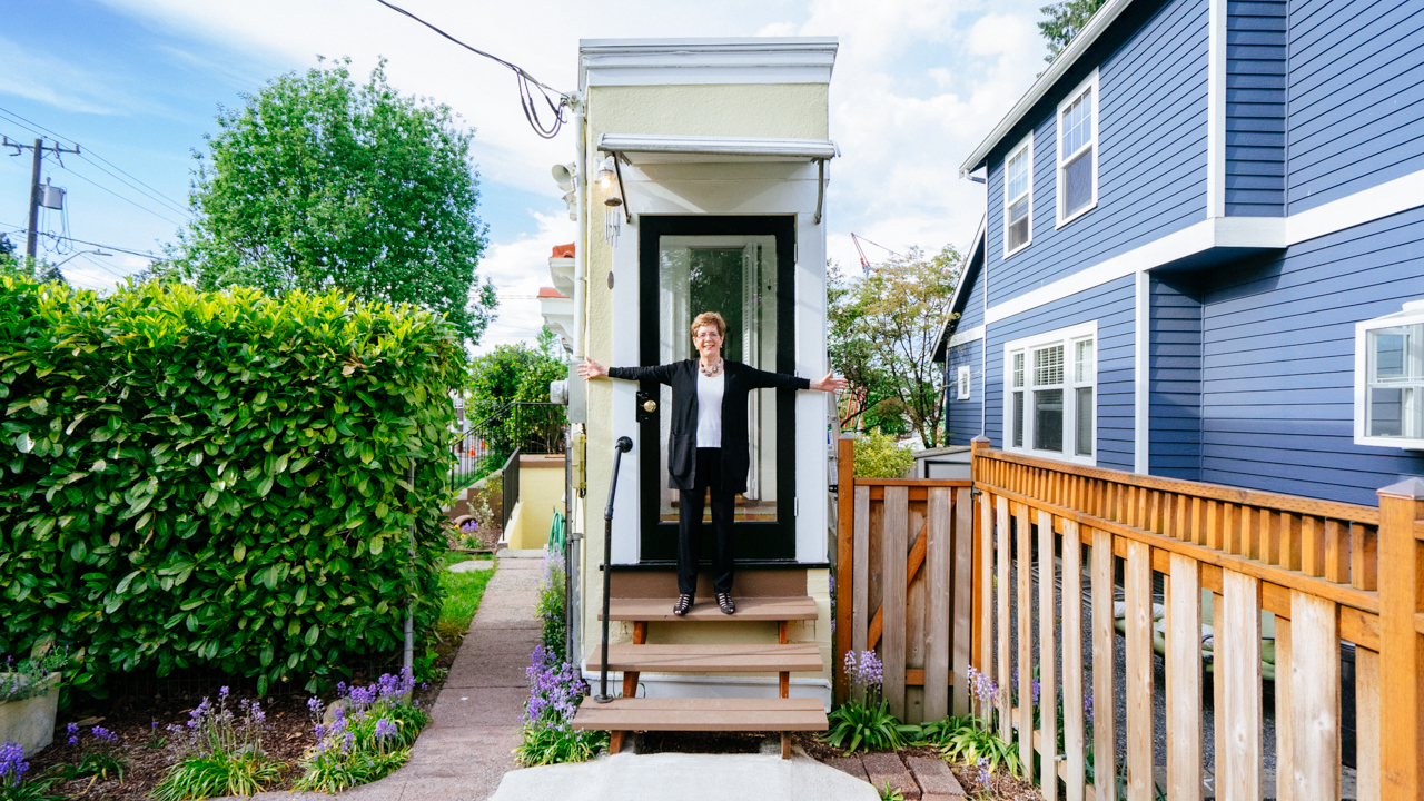 Heres the Wackiest Tiny Home Youve Ever Seen Zillow Porchlight