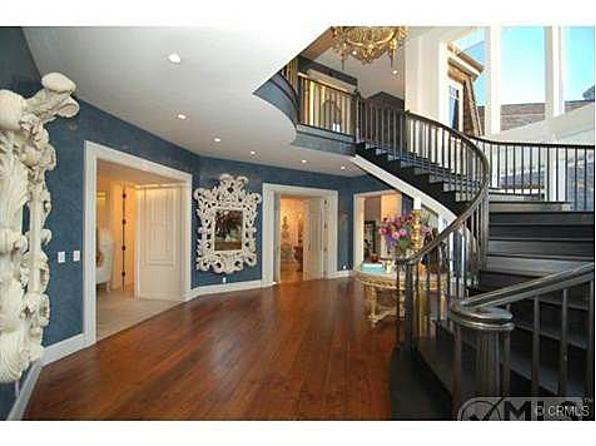 jessica simpson makes room for baby in osbourne mansion. Black Bedroom Furniture Sets. Home Design Ideas