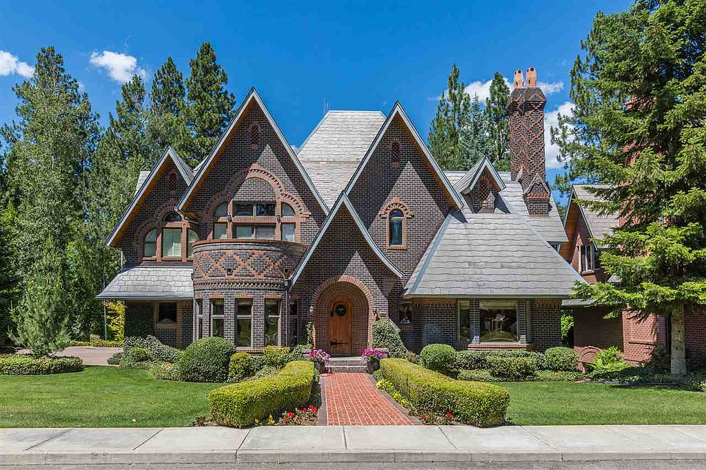 House of the week an architect 39 s storybook home zillow for Storybookhomes com