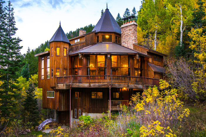 Fairy tale homes for sale for Home plans washington state