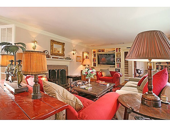 Goin Hollywood Country Girl Taylor Swift Buys Beverly Hills Home