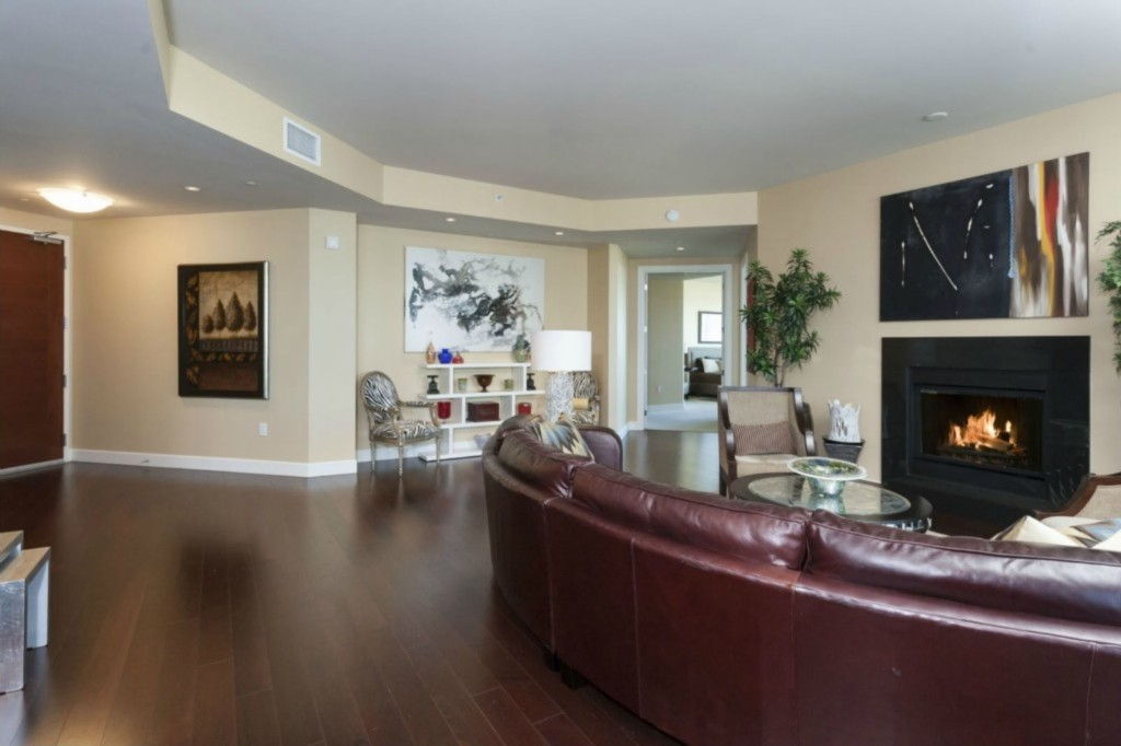 Tim Lincecum Selling Fifty Shades Of Grey Condo
