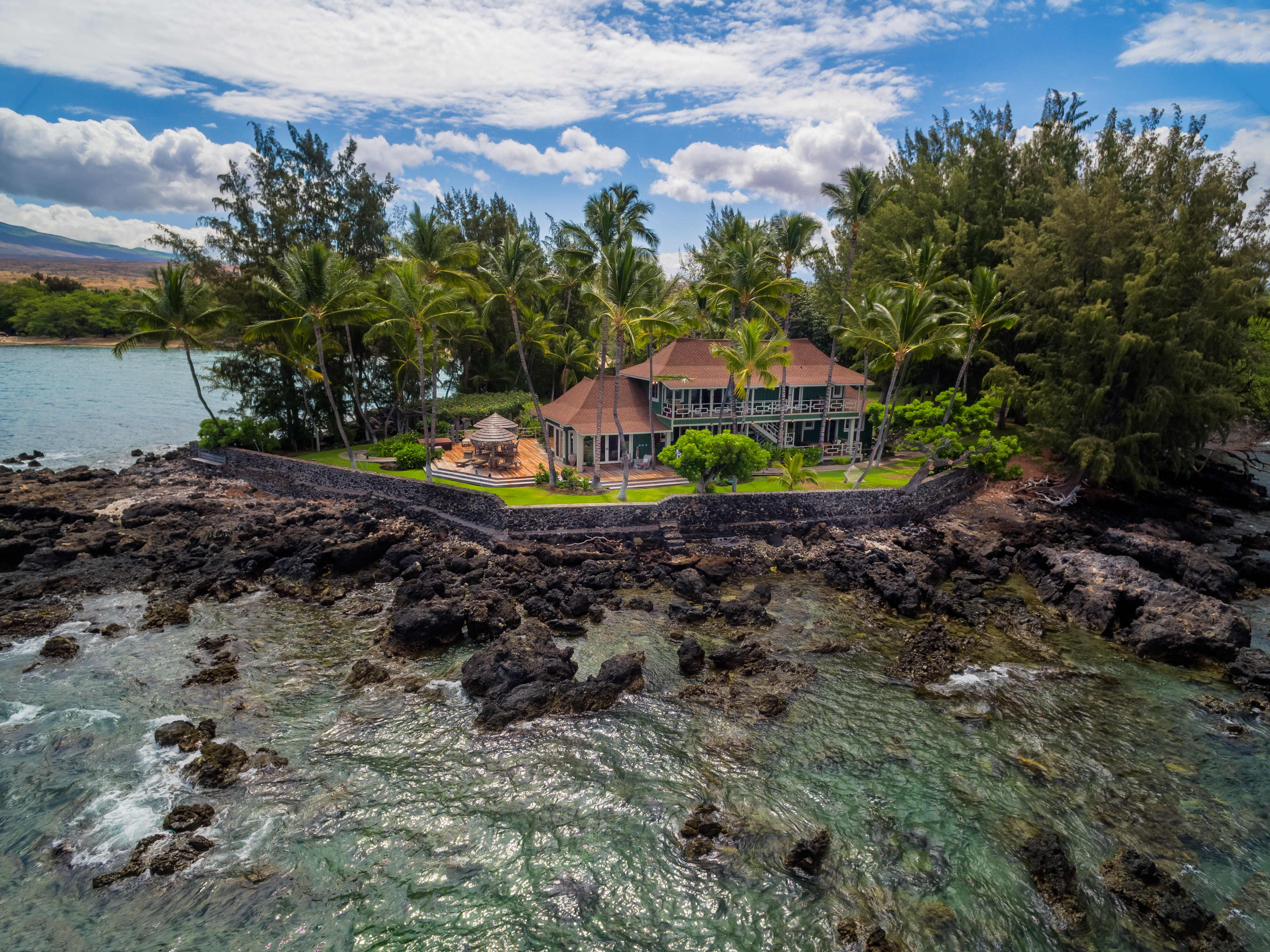 update neil young unloads big island estate for $20m