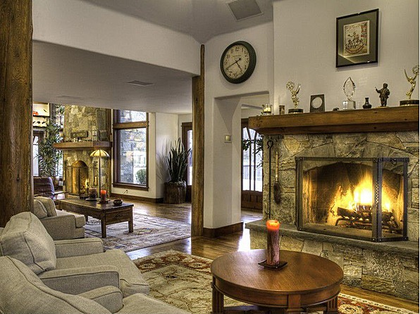 Bruce Willis Cuts Sun Valley Home Price
