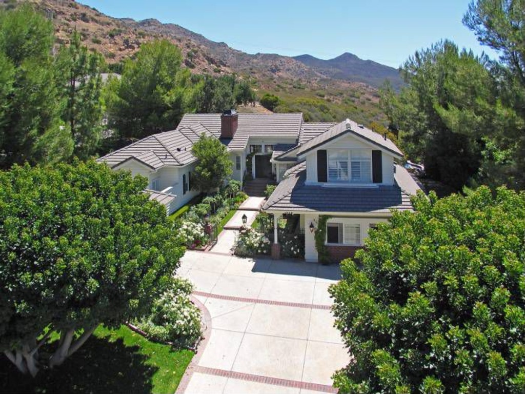 Charlie Sheen Selling Home With Poolside Views