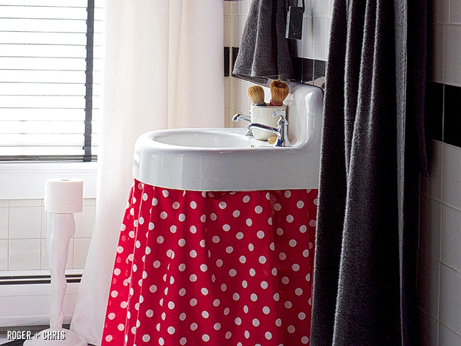 Fun Ways To Decorate Those Boring Bathrooms
