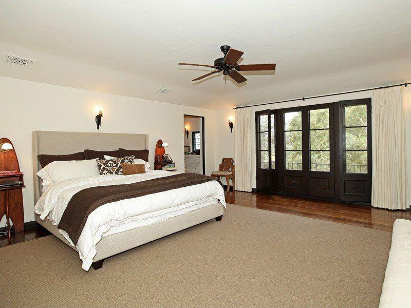 Jesse Tyler Ferguson Buys Gwen Stefani S Former Home