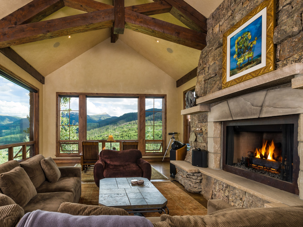 House Of The Week: Luxury Meets Off The Grid In The Aspen Groves