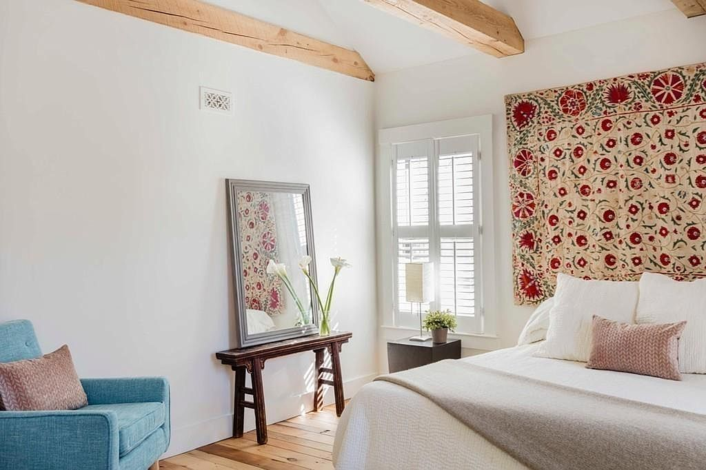 A few well chosen decorations give a room a personal touch photo from zillow listing