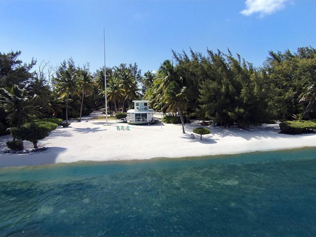 House Of The Week Beached Florida Keys Houseboat