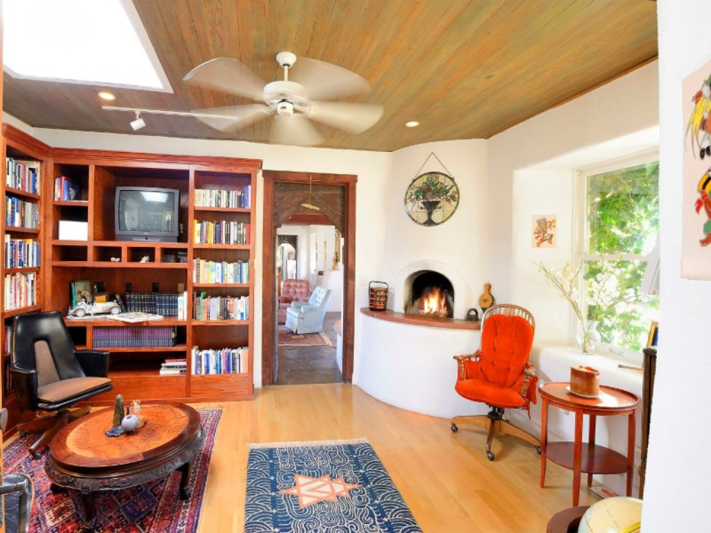 Shirley Maclaine Selling New Age Retreat In New Mexico