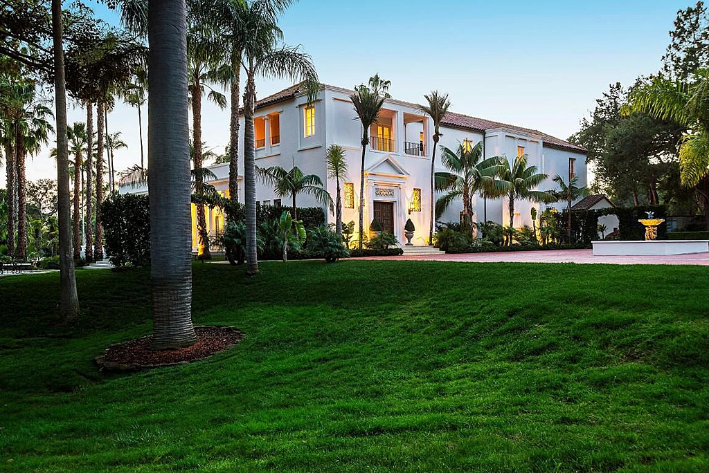 UPDATE   Scarface  Mansion Sells for  22M Under Original Ask. UPDATE   Scarface  Mansion Sells for  22M Under Original Ask