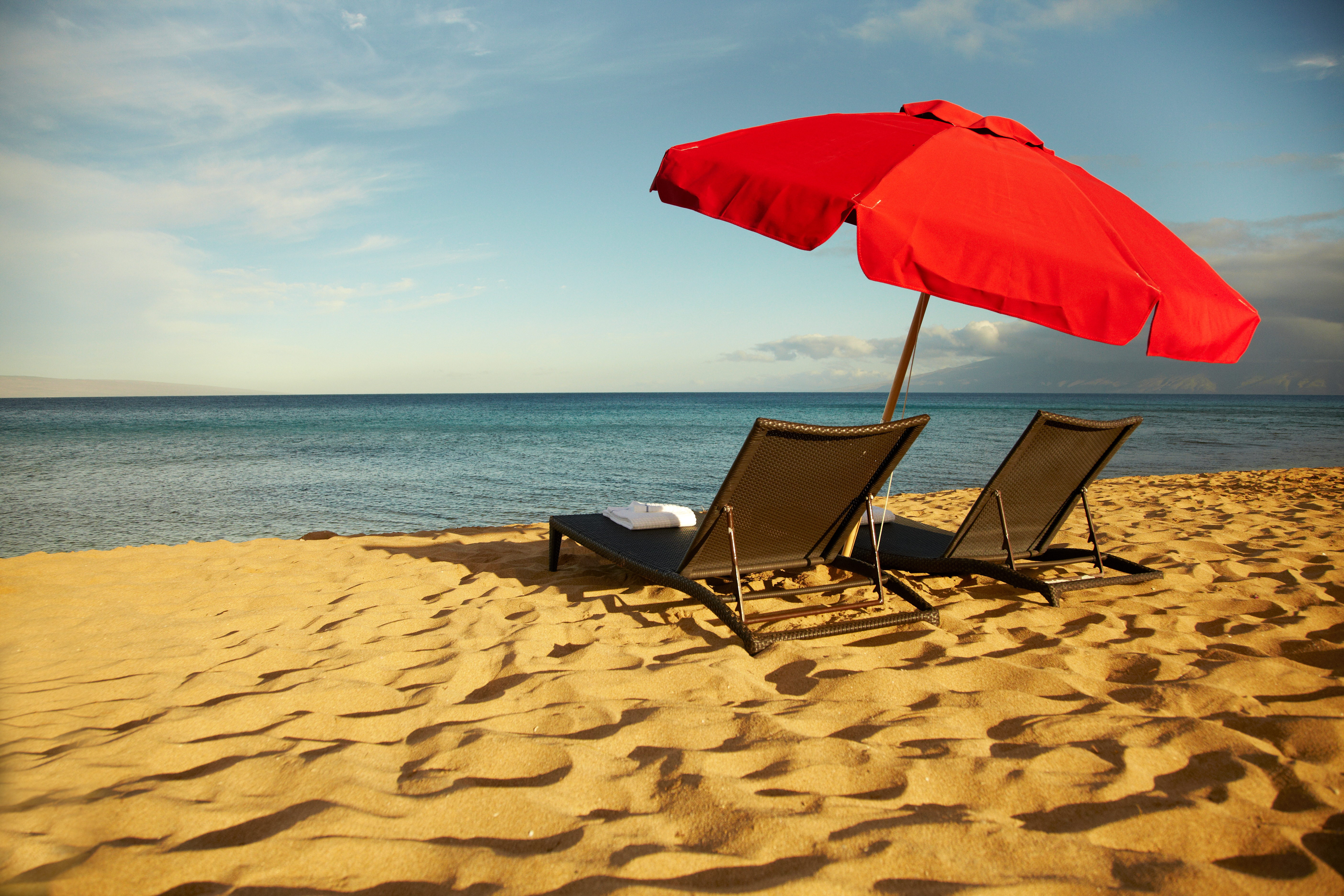 Oahu beach chair rental hawaii beach time - 5 Things To Do Before Investing In A Hawaii Vacation Home Zillow Porchlight