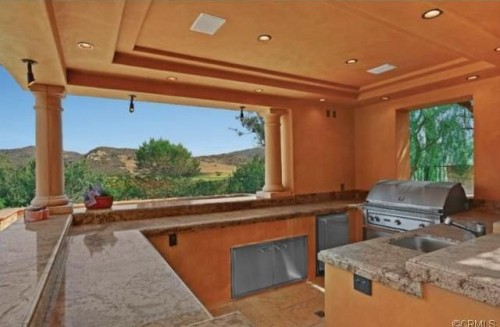 Dig This Trend Outdoor Kitchens Zillow Porchlight – Outdoor Covered Kitchens