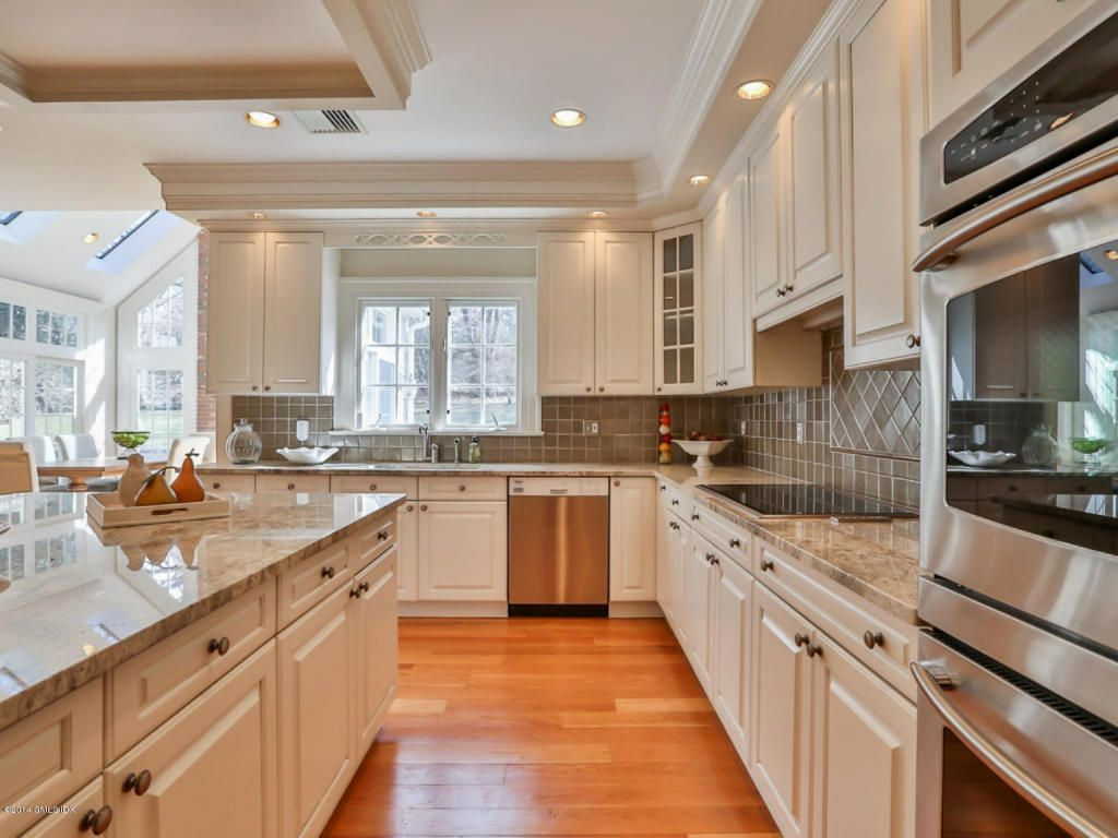 Essential kitchen updates to make before selling your home for Updating a kitchen