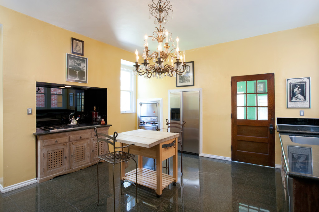 House of the week 39 murder house 39 as seen on tv for Kitchen set los angeles