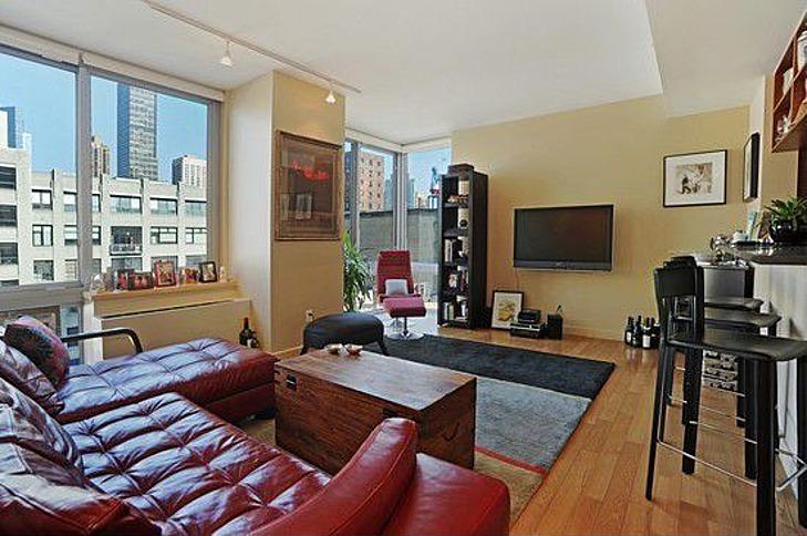 Ronan Farrow Buys 1 49 Million Manhattan Apartment