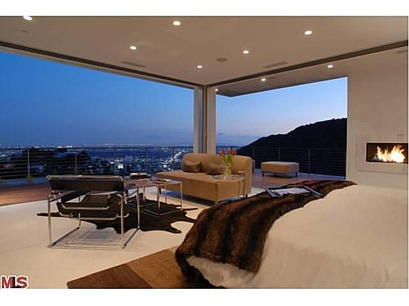 Matthew Perry House Hollywood Hills Matthew Perry Sells Mo...