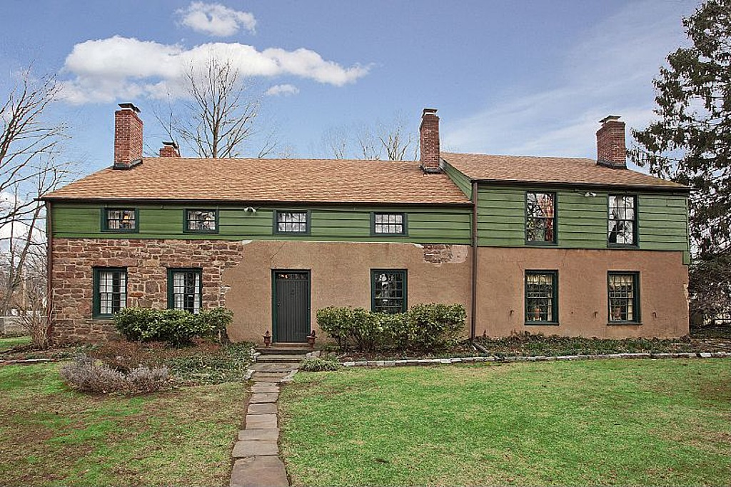300 Years Old And Still Standing Strong Newark Home Hits Market For 438k