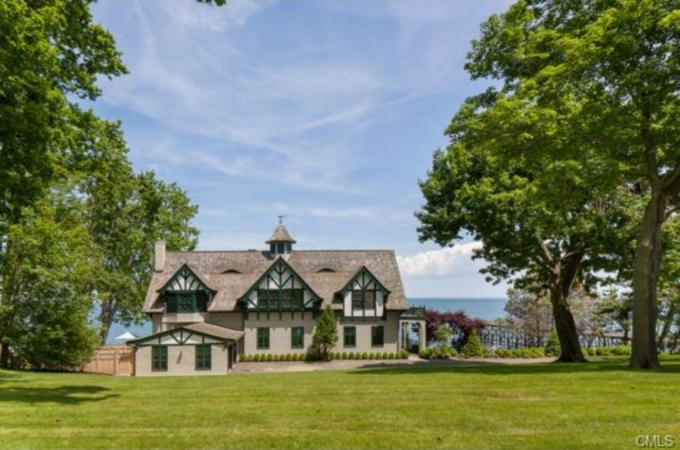 update christopher plummer s former estate sold for 11 2m
