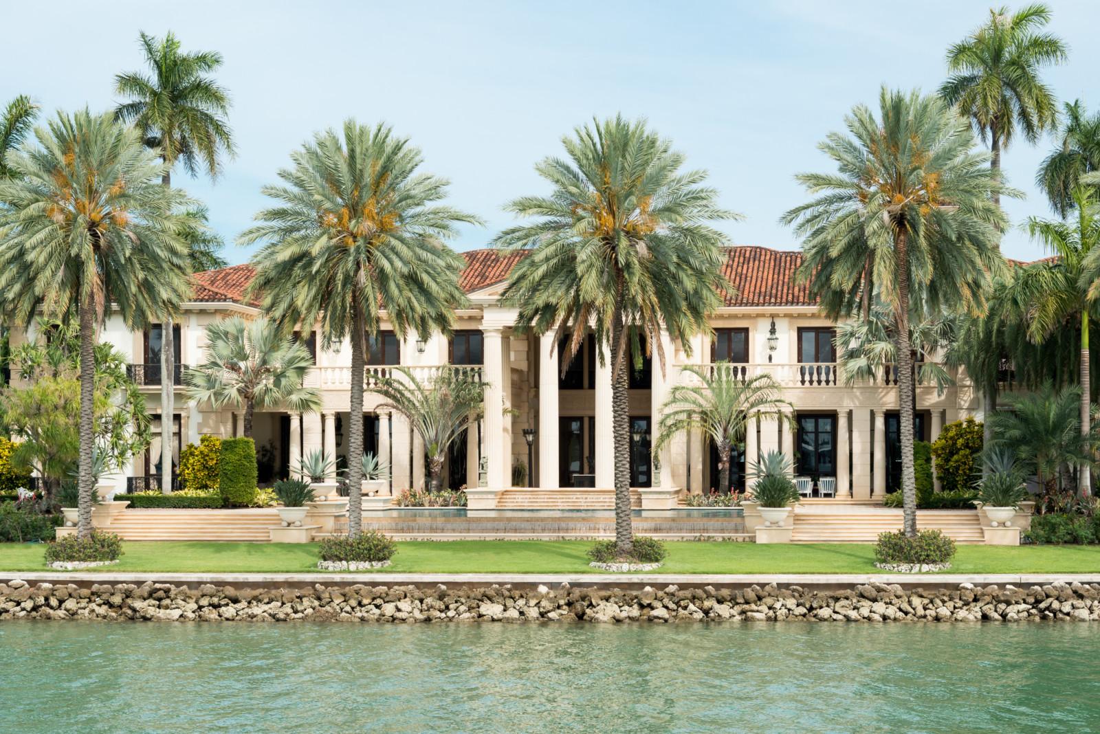 7 secrets of celebrity real estate for Celebrity houses in florida
