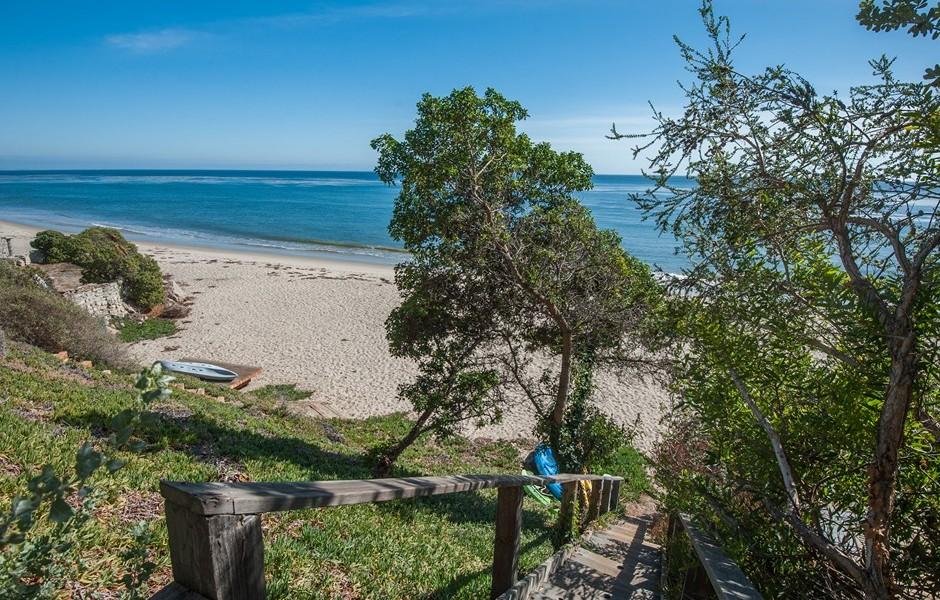 Garth Brooks And Trisha Yearwood List Malibu Beach Retreat