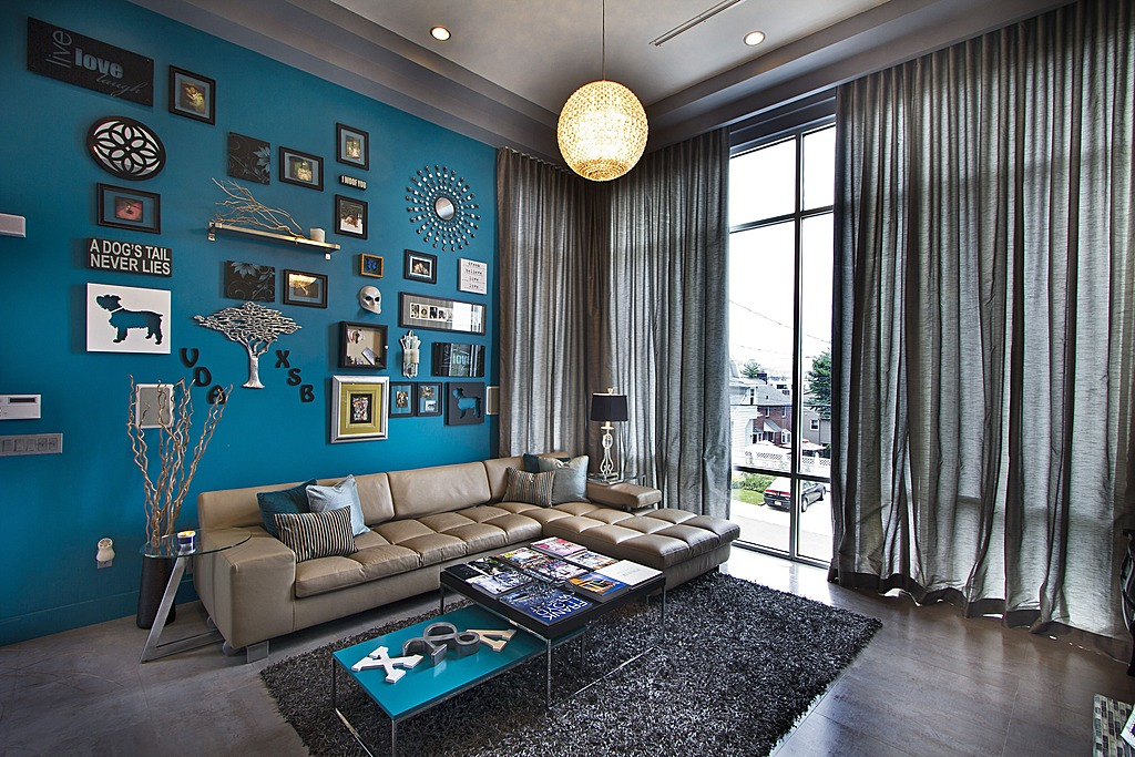 A Bright Jade Statement Wall Livens Up The Living Room By Vanessa DeLeon Associates