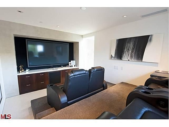 After Listing His West Hollywood Apartment In August 2011, The Actor  Purchased A Home With Ocean Views On The Sunset Strip. Later That Year,  Perry Listed ...
