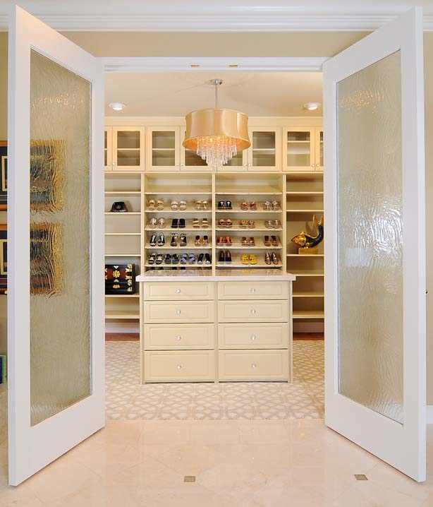 the 5 must haves of a luxury closet - Luxury Closets
